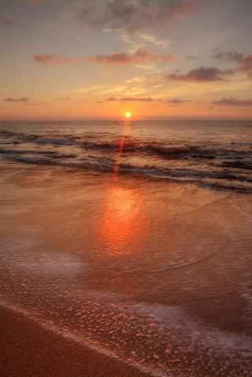 Sunrise on the Eastern Shore of Kauai-Vincent James-Photographic Print