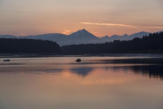 Sunrise over Fairweather Mountains in Glacier Bay National Park and Preserve-Macduff Everton-Photographic Print