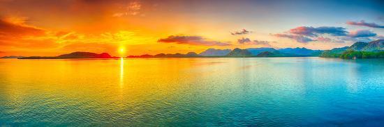sunrise-over-the-sea-panorama