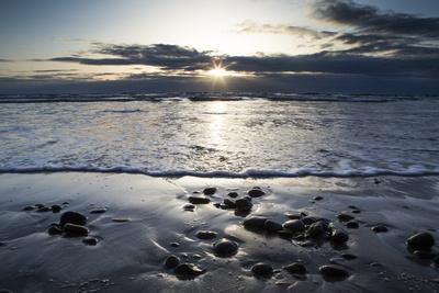 https://imgc.artprintimages.com/img/print/sunset-along-the-pacific-coast-at-torrey-pines-state-natural-reserve-california_u-l-pwdpfk0.jpg?p=0