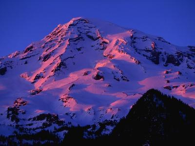 Sunset Alpenglow on Mount Rainier-Paul Souders-Photographic Print