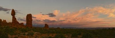 Sunset at Balanced Rock in Arches National Park-Raul Touzon-Photographic Print