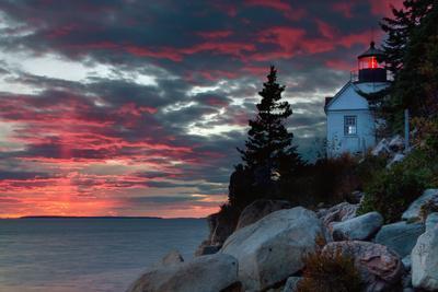 https://imgc.artprintimages.com/img/print/sunset-at-bass-harbor_u-l-pi14gq0.jpg?p=0