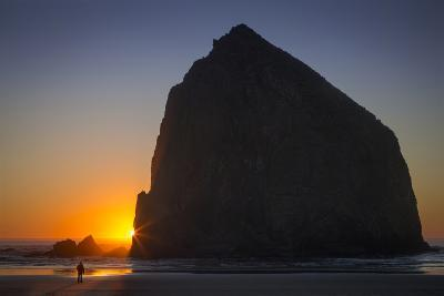 Sunset at Haystack Rock, Cannon Beach, Oregon, USA-Brian Jannsen-Photographic Print
