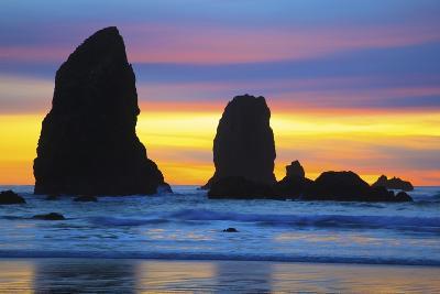 Sunset at Low Tide, Needles, Canon Beach, Oregon Coast-Craig Tuttle-Photographic Print