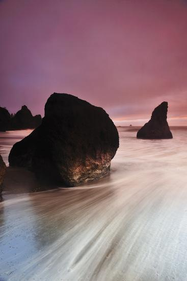 Sunset at Ruby Beach with Rock and Seastack, Olympic National Park, Washington-Keith Ladzinski-Photographic Print