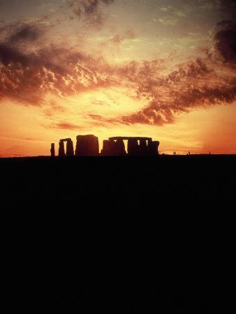 https://imgc.artprintimages.com/img/print/sunset-behind-stonehenge-england_u-l-pxyzw00.jpg?p=0