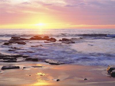 https://imgc.artprintimages.com/img/print/sunset-cliffs-beach-on-the-pacific-ocean-at-sunset-san-diego-california-usa_u-l-p25min0.jpg?p=0