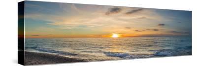 Sunset over Lake Michigan, Benzie County, Frankfort, Michigan, USA
