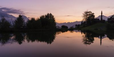 https://imgc.artprintimages.com/img/print/sunset-over-the-bathing-lake-on-the-hasliberg_u-l-q1ex0t60.jpg?p=0