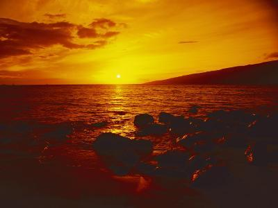 Sunset over the Ocean as Seen from a Maui Beach-Todd Gipstein-Photographic Print