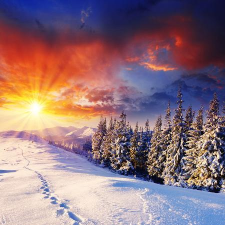 sunset-with-winter-mountains