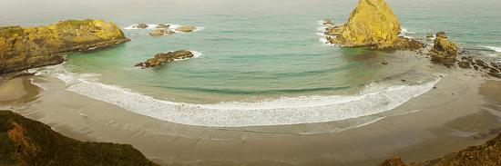 Surf at Fort Bragg, California, USA--Photographic Print