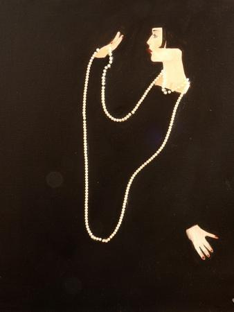 1920s Women Swinging Pearls, 2016