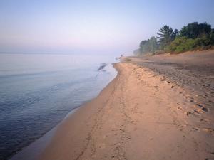 Lake Michigan Shore, Milwaukee, WI by Susan Ruggles