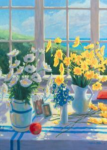 Yellow Daisies by Suzanne Hoefler