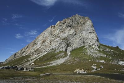 Svalbard, Hornsund, Sor-Spitsbergen National Park, Gnalodden. View of Gnalberget Mountain-Aliscia Young-Photographic Print