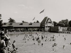 Swimming Pool, Belle Isle Park, Detroit, Mich.
