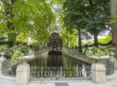 Jardin Du Luxembourg and Fountaine de L'Observatoire