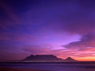 https://imgc.artprintimages.com/img/print/table-mountain-sunset-cape-town-south-africa_u-l-p3646y0.jpg?p=0