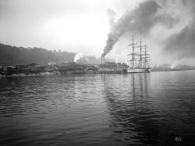 Tacoma Waterfront, 1915-Asahel Curtis-Giclee Print