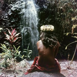 Tahitian Vahiné Girl