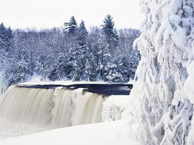 Tahquamenon Falls in Snow-Jim Zuckerman-Photographic Print