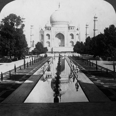 https://imgc.artprintimages.com/img/print/taj-mahal-agra-uttar-pradesh-india_u-l-q10ltx80.jpg?p=0