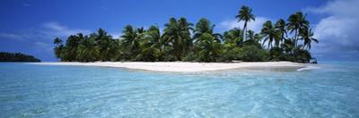 Tapuaetai Motu from the Lagoon, Aitutaki, Cook Islands