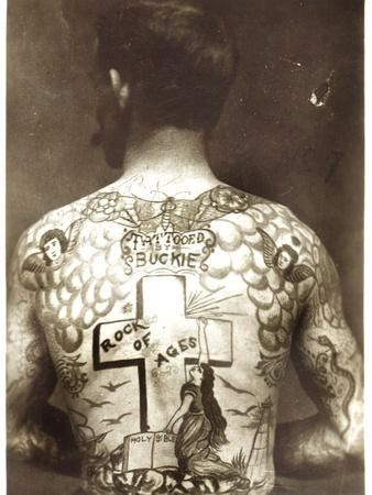 https://imgc.artprintimages.com/img/print/tattoed-man_u-l-pjj3330.jpg?p=0