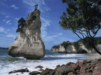 Te Horo Rock, Cathedral Cove, Coromandel Peninsula, North Island, New Zealand, Pacific-Dominic Harcourt-webster-Photographic Print