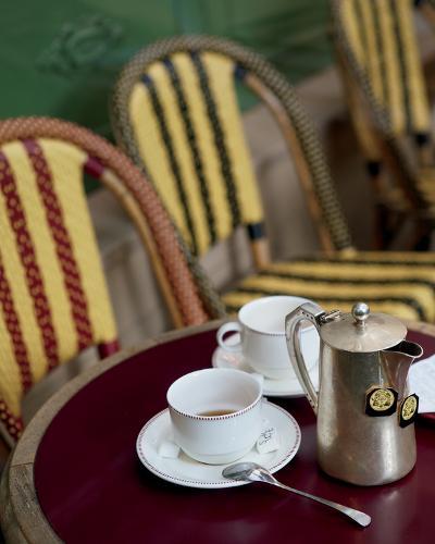Tea in Paris-Marc Olivier-Photo