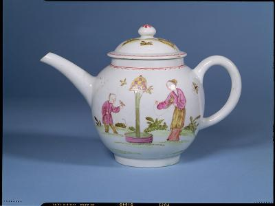 Teapot and Cover with a Dovecote and Two Chinoiserie Figures, c.1770-75--Giclee Print