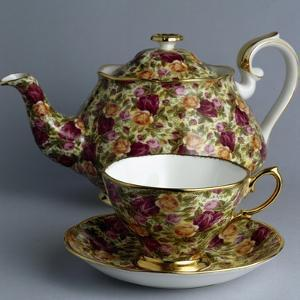 Teapot and Cup, Old Country Roses Chintz Collection, Ceramic, Stoke-On-Trent, England