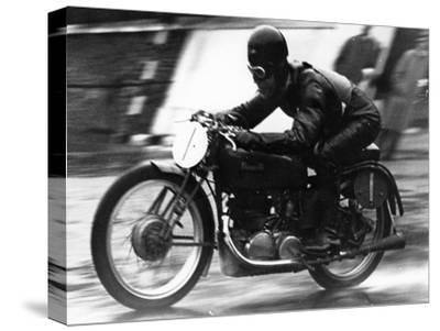 Ted Mellors Winning the Lightweight Tt Isle of Man Race, on a 1939 Benelli, 1939
