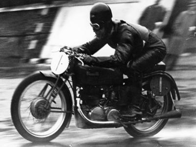 Ted Mellors Winning the Lightweight Tt Isle of Man Race, on a 1939 Benelli, 1939