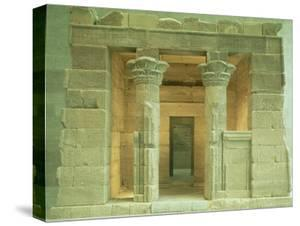 Temple of Dendur at the Metropolitan Museum of Art by Ted Thai