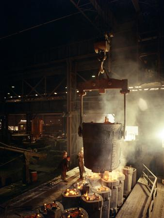 https://imgc.artprintimages.com/img/print/teeming-pouring-molten-iron-brown-bayley-steels-sheffield-south-yorkshire-1968_u-l-q10mcp40.jpg?p=0