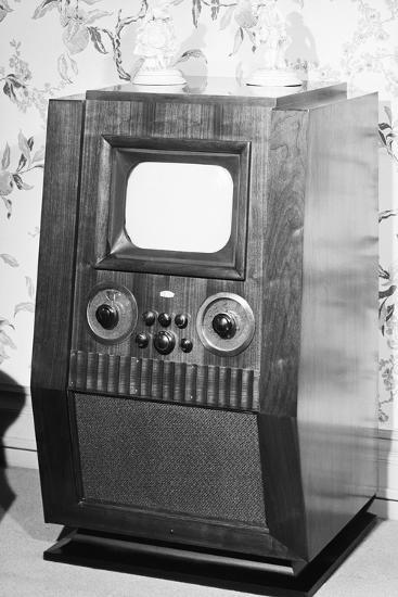 Television Set of the 1940'S--Photographic Print