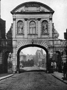 Temple Bar Archway, at the Stand End of Fleet Street, London, 1877