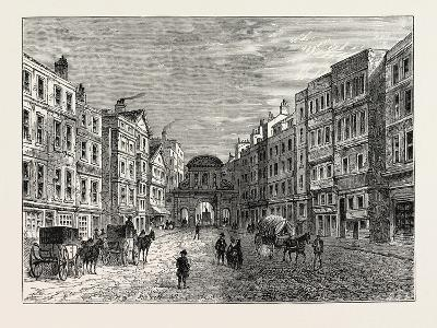 Temple Bar West Front in 1710, London--Giclee Print