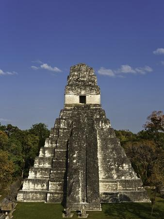 https://imgc.artprintimages.com/img/print/temple-i-or-temple-of-the-giant-jaguar-at-tikal_u-l-pzldnr0.jpg?p=0