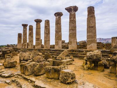 Temple of Hercules (Tempio Di Ercole)-Matthew Williams-Ellis-Photographic Print