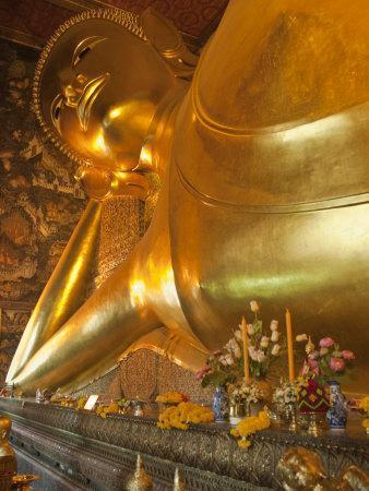 https://imgc.artprintimages.com/img/print/temple-of-the-reclining-buddha-bangkok-thailand_u-l-p91xdb0.jpg?p=0