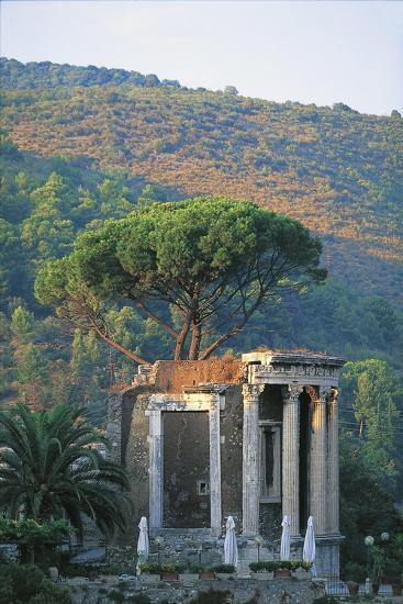 Temple of Vesta at Tivoli--Giclee Print