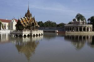Temples on River Kwai, Kanchanaburi, Thailand
