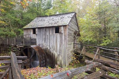 Tennessee, Great Smoky Mountains, Cades Cove, John P. Cable Grist Mill-Jamie & Judy Wild-Photographic Print