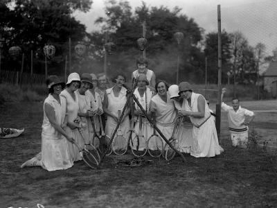 Tennis Ladies--Photographic Print