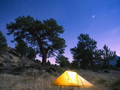 https://imgc.artprintimages.com/img/print/tent-illuminated-under-the-night-sky-rocky-mountain-national-park-colorado-usa_u-l-pfltzg0.jpg?p=0
