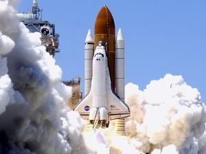 Space Shuttle by Terry Renna